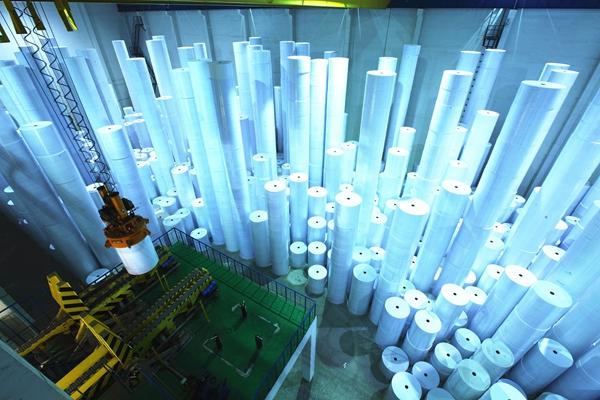 自动化的太阳纸业生产线.jpg
