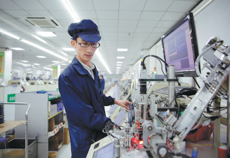 A technician works on a production line of Shandong BeBright Semicon-Tech.png