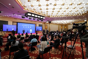 NPC deputies give interviews before 2nd plenary meeting