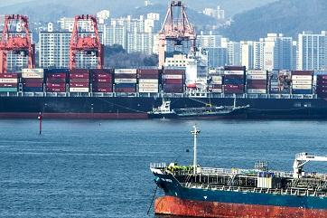 Liangshan Port pushes forward green transportation