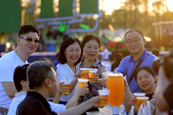 Tsingtao beer festival comes to Chengdu