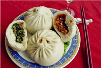 Qingdao big steamed stuffed bun (青岛大包/Qingdao Da Bao)