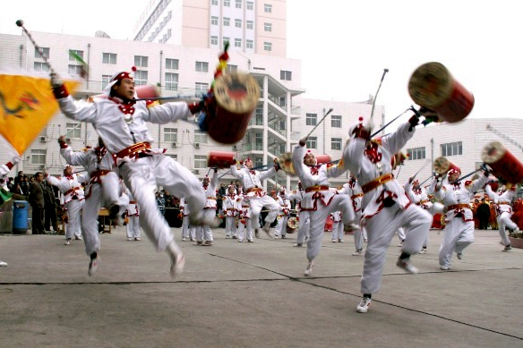 Lanzhou Taiping Drum dance: moving to the beats