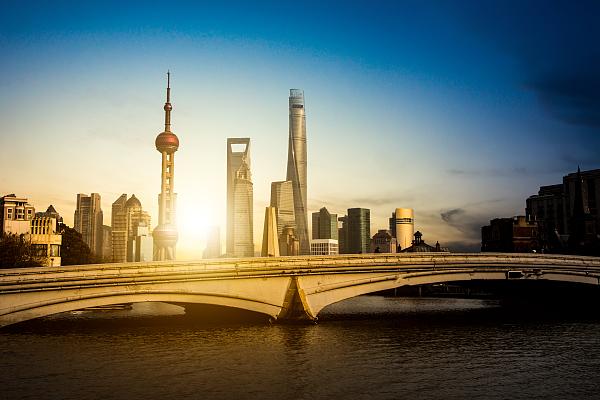 浦東、最大1600億元の特別貸付で企業支援