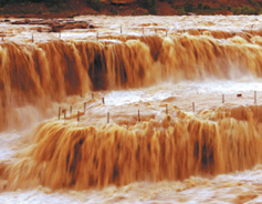 Hukou Waterfalls shows dazzling power of nature