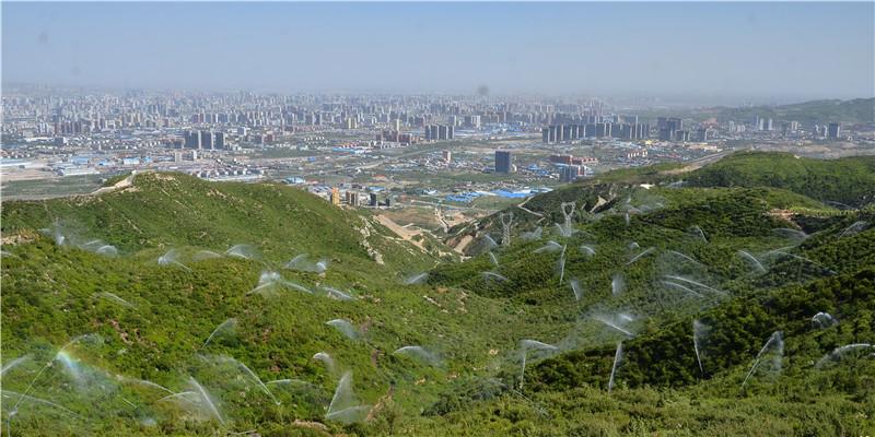 5经过绿化的太原西山成为太原市的一道绿色屏障。王敬摄_副本.jpg