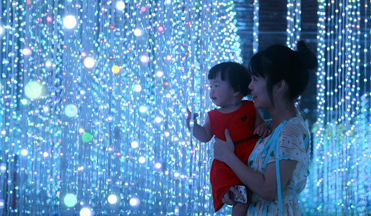 Children visit Xiamen Science and Technology Museum during summer vacation