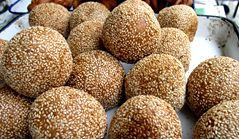 Fried Glutinous Rice Balls with Sesame