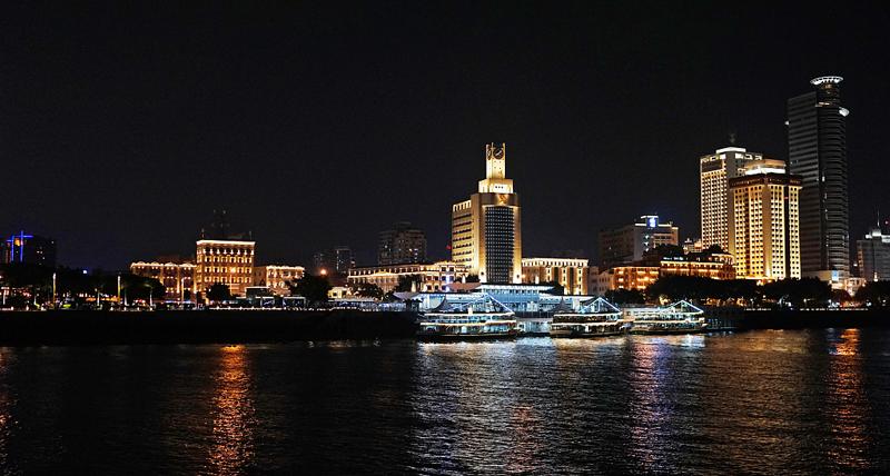 Romantic Xiamen night tours run during Mid-Autumn Festival