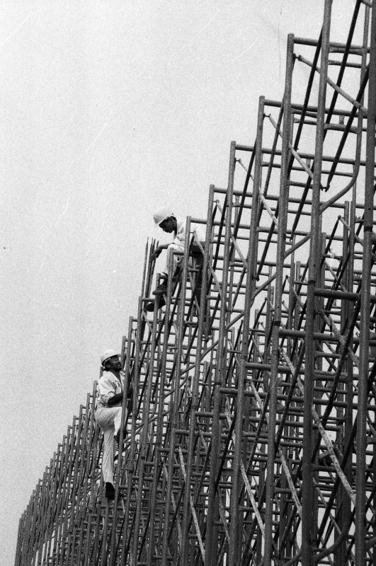 Construction of exhibition hall(1) in 1996 [Photo by Yan Xing].jpg