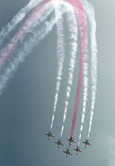 aerobatic performance(3) in 2010 [photo by cheng lin]_副本.jpg