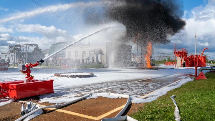Kalinin-firefighting-robot-(Rosenergoatom).jpg